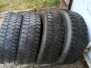 Шины ведущие для грузового автомобиля 225/75R17, 5 DUNLOP SP-431 б/у. 7мм.